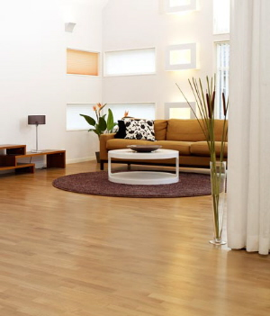 Oak floor with Bona naturale™ water base finish